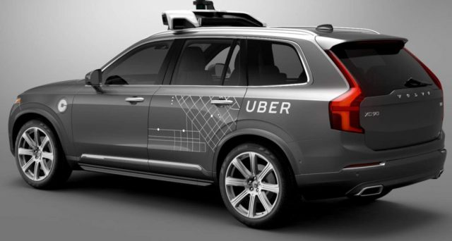 Tragedia in Arizona, auto Uber a guida autonoma travolge donna e la uccide. L'azienda ferma immediatamente tutti i test in corso negli Usa.
