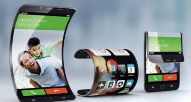 Lo smartphone pieghevole è arrivato, stavolta è il turno di Huawei che presenta Mate X, ma il costo è davvero esagerato.