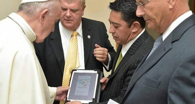 Arriva Follow JC Go, l'app dei santi in stile Pokemon GO. Ecco la nuova diavoleria del vaticano.