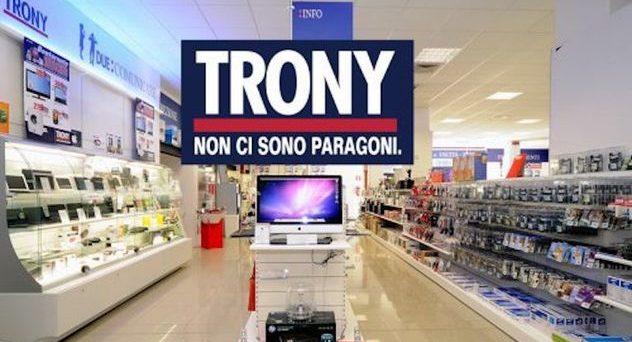 Anche Trony lancia la promozione no iva, sconto del 18% su tanti prodotti in offerta.