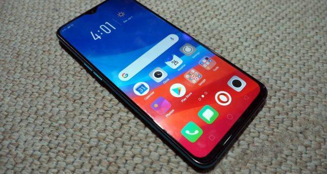 Ecco VMOBILE A10, lo smartphone super economico che può far gola a chi si accontenta dell'essenziale.