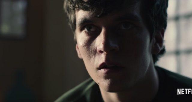 Puntatone speciale di Black Mirror su Netflix, arriva finalmente l'episodio interattivo che permette allo spettatore di scegliere come prosegue la storia.