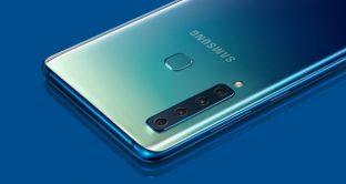 Galaxy A90, smartphone con fotocamera rotante a scomparsa