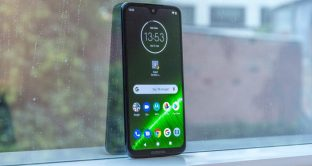 Smartphone economici, dual cam e display da 5,84 pollici a meno di 75 euro