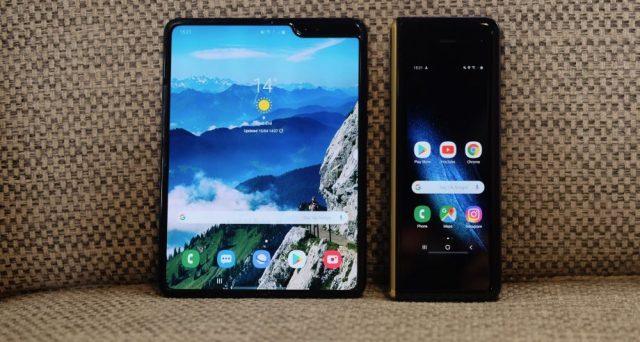 Smartphone pieghevole posticipato, le possibile cause del malfunzionamento di Galaxy Fold.