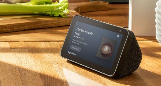 Nuovo dispositivo della famiglia Alexa di Amazon, arriva Echo Show 5.