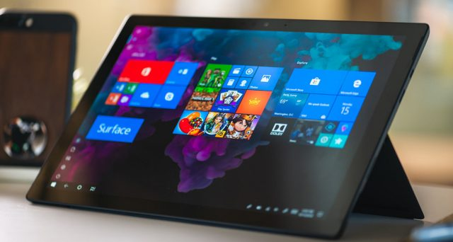 Surface Microsoft con doppio display, saranno disponibili le app Android