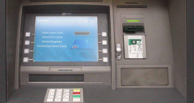 Torna in auge il terribile malware che colpisce i bancomat, hacker russi svuotano il conto con una semplice Pennetta USB.