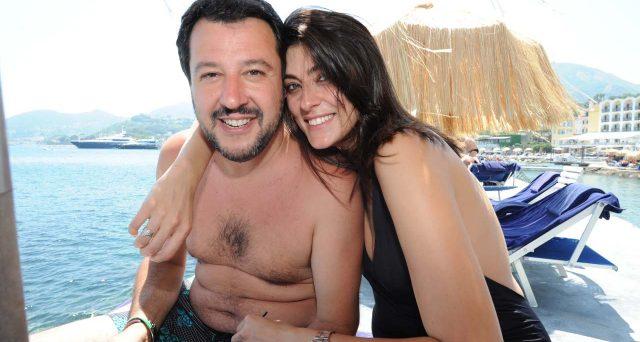 Foto scandalo di Salvini su WhatsApp, ma in realtà è solo un escamotage per truffarvi. Attenzione al messaggio infetto.