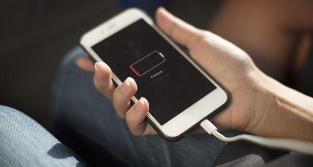 Virus nella ricarica USB, gli smartphone rischiano di perdere tutti i dati