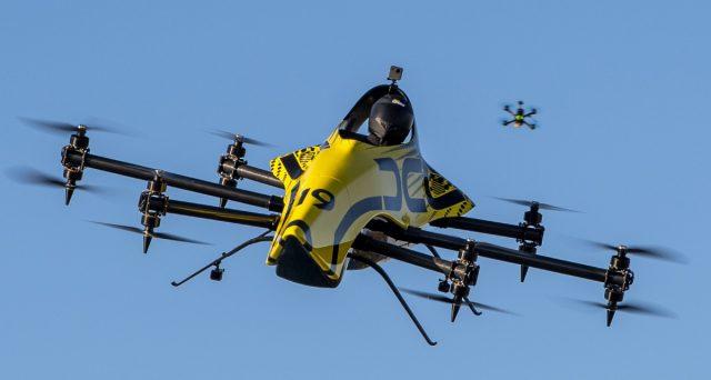 Arriva il drone gigante capace di trasportare anche un passeggero umano al suo interno.