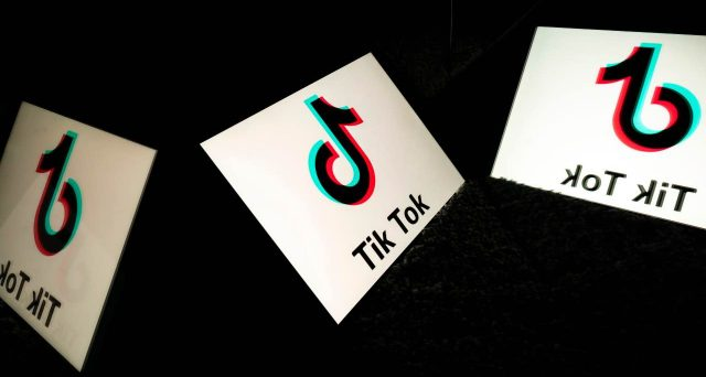 Arriva su TikTok il video che ripercorre i momenti spensierati del 2020.