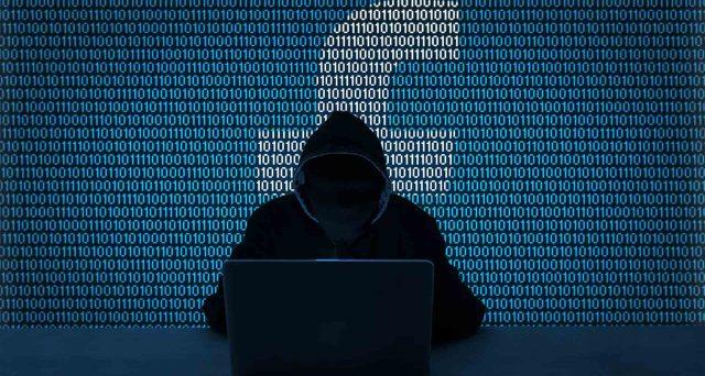Bucati i profili di Facebook, un italiano su due è a rischio hacker.