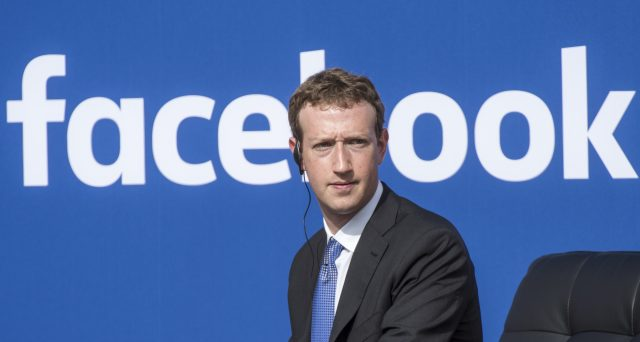 Mark Zuckerberg ex eroe bistrattato