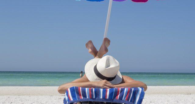 Sdraio Da Spiaggia Prezzi.Rincari Ombrelloni E Lettini Quanto Costa Una Giornata Al Mare E