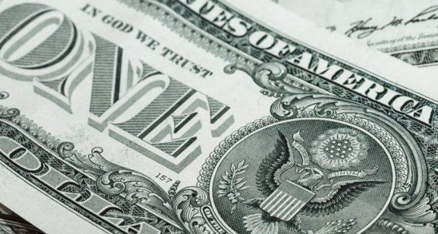 Il super dollaro lo spiegano i rendimenti calanti americani