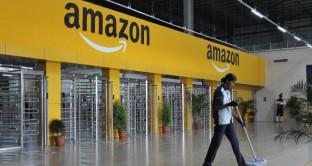 Offerte Amazon oggi 22 marzo, c'è il robot aspirapolvere e lo smartwatch Xiaomi