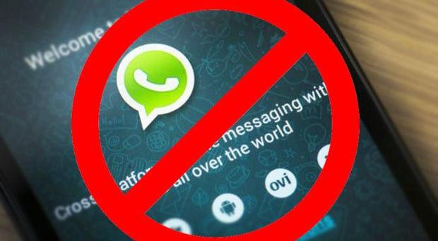 WhatsApp offline, con questa nuova app potrete leggere i messaggi senza farvi vedere