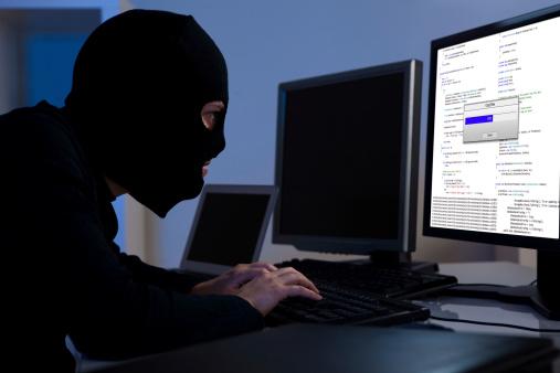 Attacchi hacker, smartphone e pc a rischio, come difendersi?