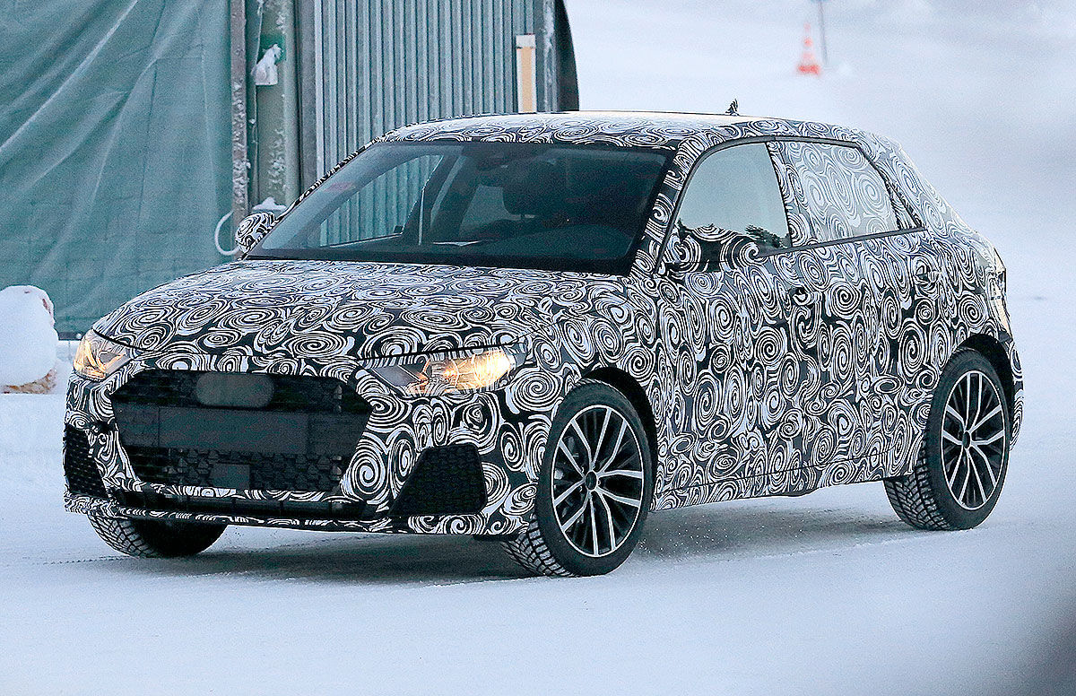 Audi A1 2018: le prime foto spia del prototipo camuffato sulle nevi
