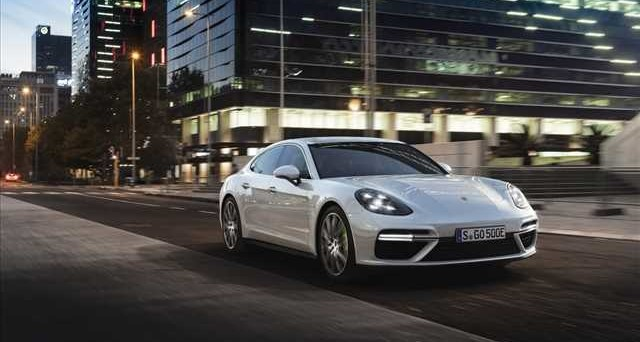 Ecco la nuova Sport Turismo: la Porsche Panamera è anche