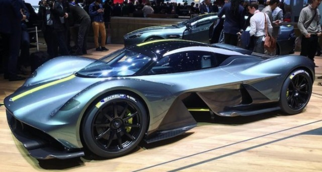 aston martin conferma nuova gamma di vetture sportive a motore centrale tutto auto web. Black Bedroom Furniture Sets. Home Design Ideas