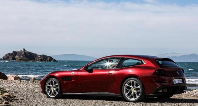 Un momento della presentazione della nuova Ferrari GTC4Lusso T nei test in Toscana tra Monteriggioni e Punta Ala, tappe delle prove per la stampa che precedono l'arrivo dei primi modelli ai clienti che li hanno ordinati.