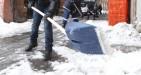 Spalare la neve: le multe per chi non la fa sono lecite?